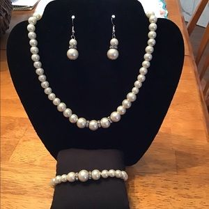 Jewelry - Pearl Set
